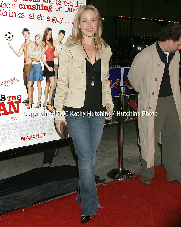 Julie Benz.She's The Man Premiere.Mann's Village Theater.Westwood, CA.March 8, 2006.©2006 Kathy Hutchins / Hutchins Photo....