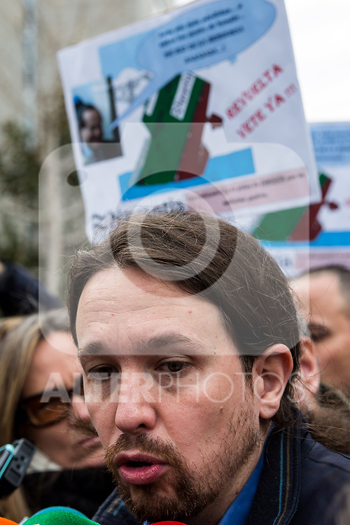 Pablo Iglesias of Podemos accompanies the workers of the company Navantia, during the protest in the headquarters of the Sepi in Madrid, Spain. March 14, 2017. (ALTERPHOTOS / Rodrigo Jimenez)