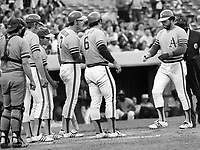 A's vs Brewers:Reggie Jackson greeted at home by <br />