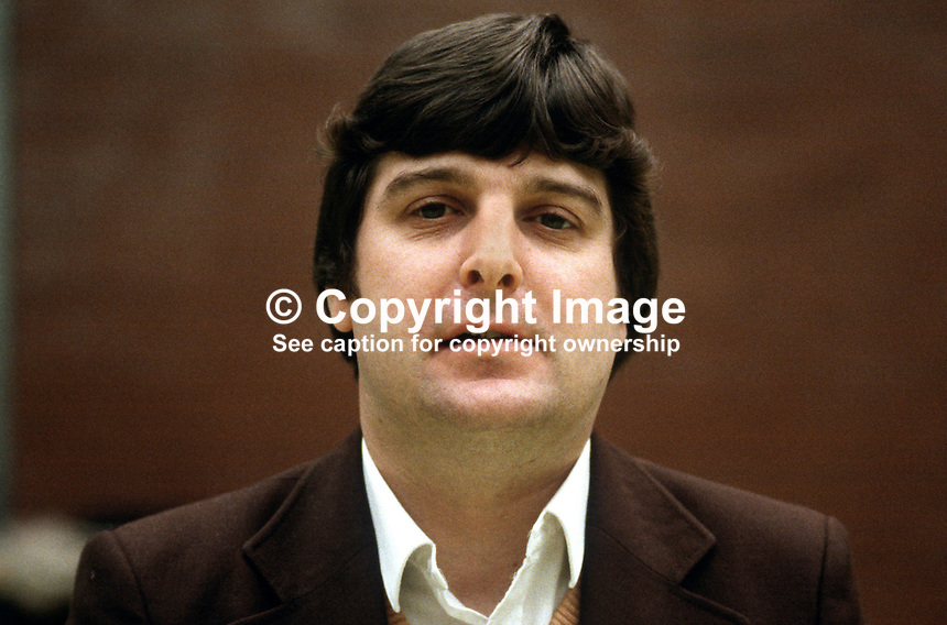 David Bell, N Ireland official, C&PSA, trade union, UK, 19840052DB..Copyright Image from Victor Patterson, 54 Dorchester Park, Belfast, UK, BT9 6RJ..Tel: +44 28 9066 1296.Mob: +44 7802 353836.Voicemail +44 20 8816 7153.Skype: victorpattersonbelfast.Email: victorpatterson@me.com.Email: victorpatterson@ireland.com (back-up)..IMPORTANT: If you wish to use this image or any other of my images please go to www.victorpatterson.com and click on the Terms & Conditions. Then contact me by email or phone with the reference number(s) of the image(s) concerned.