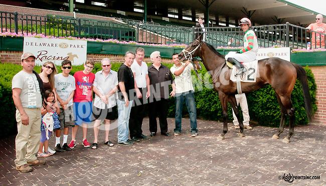 Momma's Happy winning at Delaware Park on 6/26/13