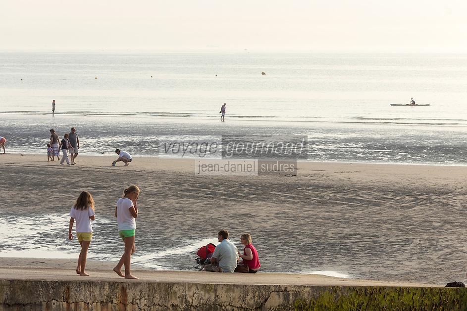 France, Pas-de-Calais (62), Côte d'Opale, Wimereux, station balnéaire // France, Pas de Calais, Cote d'Opale (Opal Coast), Wimereux, seaside resort