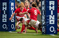England Women's Hannah Botterman scores a try<br /> <br /> Photographer Bob Bradford/CameraSport<br /> <br /> 2020 Women's Six Nations Championship - England v Wales - Saturday 7th March 2020 - The Stoop - London<br /> <br /> World Copyright © 2020 CameraSport. All rights reserved. 43 Linden Ave. Countesthorpe. Leicester. England. LE8 5PG - Tel: +44 (0) 116 277 4147 - admin@camerasport.com - www.camerasport.com