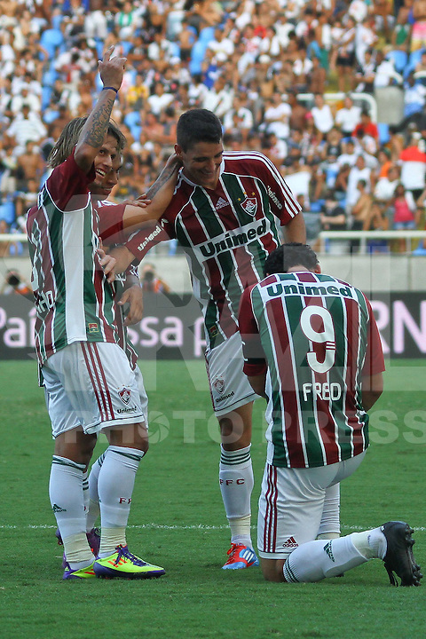 RIO DE JANEIRO, RJ, 26 DE FEVEREIRO 2012 - CAMPEONATO CARIOCA - FINAL - TACA GUANABARA - VASCO X FLUMINENSE - Fred, jogador do Fluminense, agradece o passe de Thiago Neves, durante partida contra o Vasco, pela final da Taca Guanabara, no estadio Engenhao, na cidade do Rio de Janeiro, neste domingo, 26.  FOTO: BRUNO TURANO – BRAZIL PHOTO PRESS