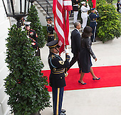 United States President Barack Obama and First Lady Michelle Obama welcome President XI Jinping and Madame Peng Liyuan of China an official State Visit on the South Lawn of the White House in Washington, DC on Friday, September 25, 2015.<br /> Credit: Chris Kleponis / Pool via CNP
