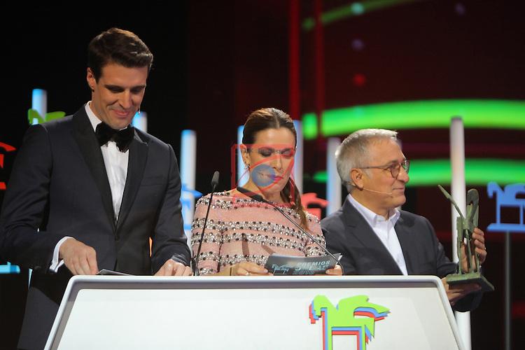63 Premios Ondas.<br /> Gala de Entrega de los premios.<br /> Uri Sabat, Raquel Sanchez Silva &amp; Xavier Sarda.