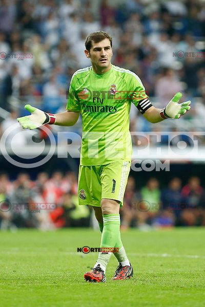 Real Madrid´s goalkeeper Iker Casillas during La Liga match between Real Madrid and F.C. Barcelona in Santiago Bernabeu stadium in Madrid, Spain. October 25, 2014. (ALTERPHOTOS/Victor Blanco) /nortephoto.com