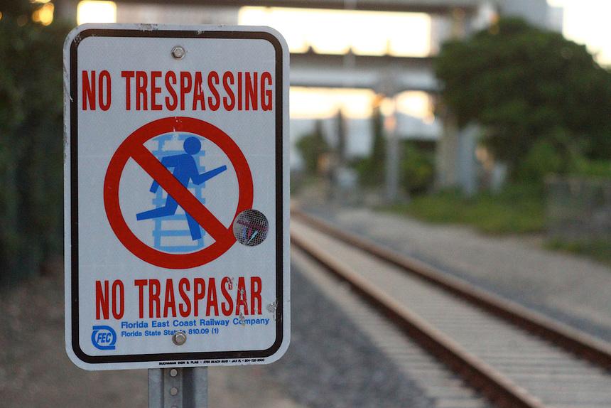 no trespassing on the train tracks | ushka photography