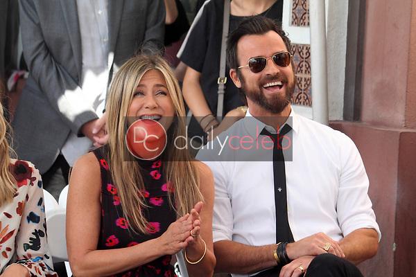 Jennifer Aniston, Justin Theroux<br /> at the Jason Bateman Star on the Hollywood Walk of Fame, Hollywood, CA 07-26-17<br /> David Edwards/DailyCeleb.com 818-249-4998