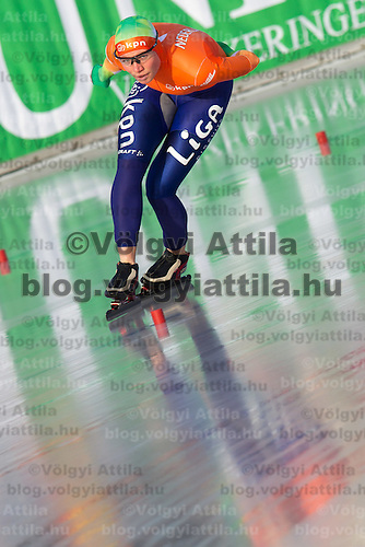 Netherlands's Linda de Vries competes in Women's 5000m race of the Speed Skating All-round European Championships in Budapest, Hungary on January 8, 2012. ATTILA VOLGYI