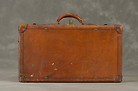Willard Suitcases / Lawrence R / ©2015 Jon Crispin