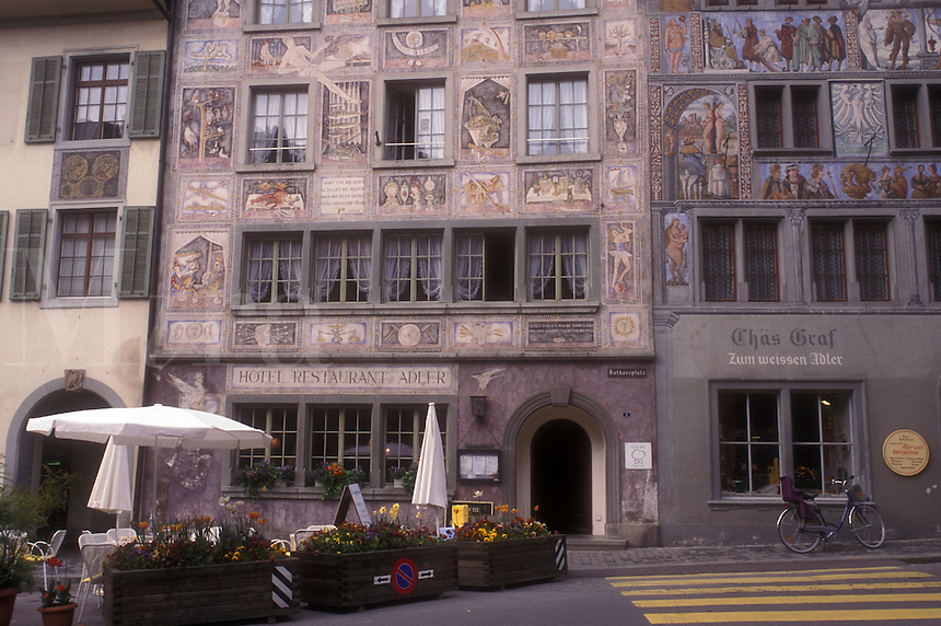 AJ1673, Switzerland, Stein, Europe, Painted facades of buildings in the picturesque village of Stein am Rhein in the Canton of Schaffhausen.