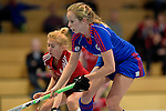 GER - Mannheim, Germany, December 19: During the 1. Bundesliga Sued Damen indoor hockey match between Mannheimer HC (blue) and Nuernberger HTC (red) on December 19, 2015 at Irma-Roechling-Halle in Mannheim, Germany. (Photo by Dirk Markgraf / www.265-images.com) *** Local caption *** Greta Lyer #10 of Mannheimer HC