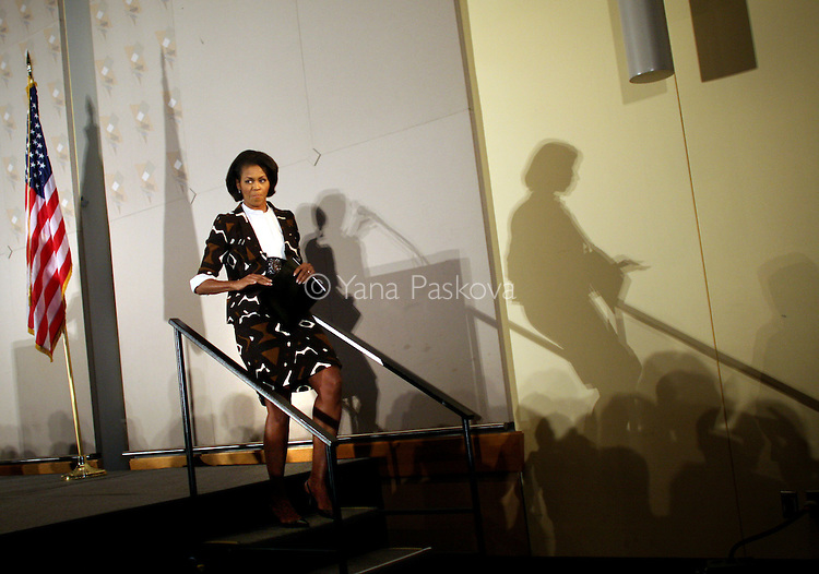 Michelle Obama, the wife of U.S. Presidential candidate Barack Obama (D-IL), finishes speaking at an Ultimate Women's Power Lunch in Chicago, Illinois, on Friday, May 09, 2008.  Former CIA agent Valerie Plame Wilson, Illinois Democratic congresswoman Jan Schakowsky and Illinois Democratic senator Dick Durbin also spoke at the event. (Photo by: Yana Paskova for The New York Times)..Assignment ID: 30061716A.