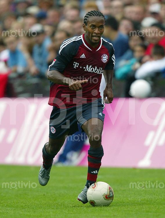 Fussball 1. Bundesliga Testspiel 2002/2003 FC Bayern Moenchen ; Ze Roberto