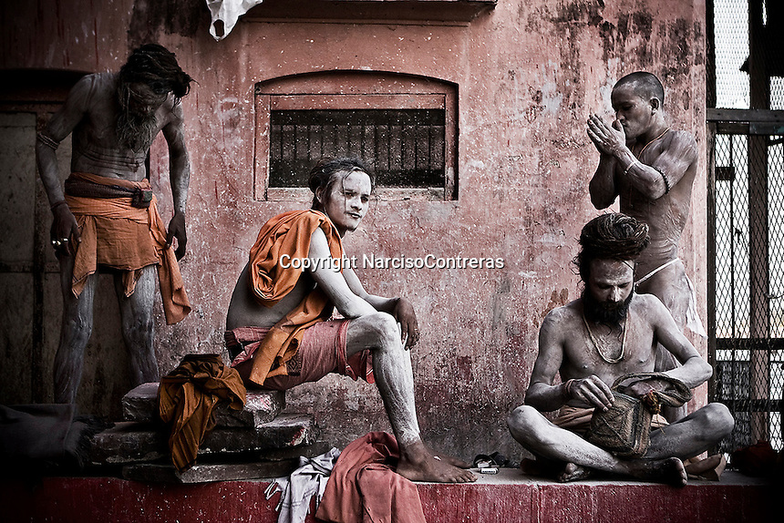 Over more than 10 km, a big city is built. Inside there thousands of pilgrims and faithful people live during months that the Kumbh Mela fair take place. Arrived from all parts and corners of all India and abroad, millions of sadhus and pilgrims come to the most important gathering in the world with only one purpose, dip them at the banks of the Holy river Ganga. Holy Snan or bathing in the river Ganga is of great importance. It is believed that it washes away all the sins and the cycle of rebirth and death ends as the soul becomes one with God. <br /> Close to the major event of the festival, the ritual bathing in the most auspicious date, on 14th April, millions of pilgrims reach to the city full up blast it. On that date alone approximately 10 million people bathed in the Ganges river. According to officials by mid April about 40 million people had bathed since January 14th 2010. All around is full by the crowded, on the streets people live, eat and sleep. Along days and nights crowded is controlled by long lines of fierce police and army, which are armed with special bamboo sticks and weapons to keep order and let it flux up on waves of devotees and pilgrims, stir it up suddenly small clashes.<br /> The most important features of the Mela are furious and exotic Naga Sadhus covered in ash, matted hairs and are known as preservers of faith. The darshan (the blessings) of all the magnificent saints and yogis who come out of their Himalayan caves only once very 12 years in order to bless the people. These sadhus are widely respected by the crowded, and recognized due their extreme austerities and rituals. They keep attracting the attention of all when go out form their camps and walk in procession to perform the sacred bathing into the Holy Ganga river, amid of noisy and deafening chants, waving swords and facing people to keep the way free to leave pass them.
