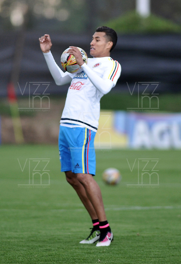 BOGOTA - COLOMBIA  - 21 - 03 - 2016: Jeison Murillo,  jugador de la Seleccion Colombia, durante entrenamiento en La sede de La Federacion Colombiana de Futbol en Bogota. Colombia prepara para el próximo partido partido contra Bolivia para la calificificacion a la Copa Mundo FIFA 2018 Rusia. / Jeison Murillo, player of the Colombia Team, during training at the Headquarters of the Colombian Football Federation in Bogota. Colombia prepares for the upcoming game match against Bolivia for calificificacion to FIFA World Cup 2018 Russia. (Photo: VizzorImage / Luis Ramirez / Staff.)