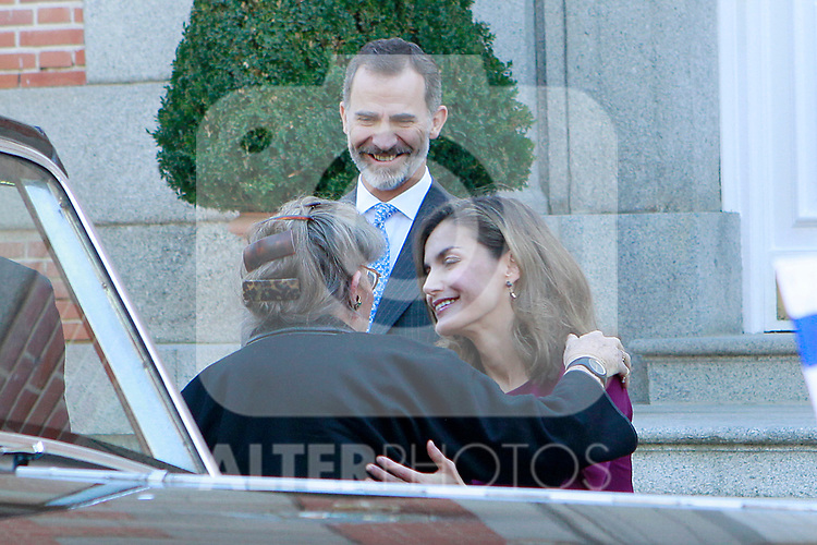 King Felipe VI of Spain (c) and Queen Letizia of Spain (r) receive Israeli President Reuven Rivlin wife's Nechama Rivlin (l) for an official lunch at the Zarzuela Palace. November 6,2017. (ALTERPHOTOS/Acero)