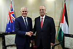 Palestinian Prime Minister Rami Hamdallah shakes hands with Australian Prime Minister Malcolm Turnbull, in the West Bank city of Ramallah November 1, 2017. Photo by Prime Minister Office