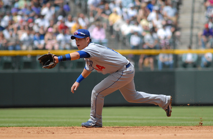 Los Angeles Dodgers 2nd baseman Chin Lung Hu during a Game against the Colorado Rockies at Coors Field in Denver, CO on May 4, 2008.