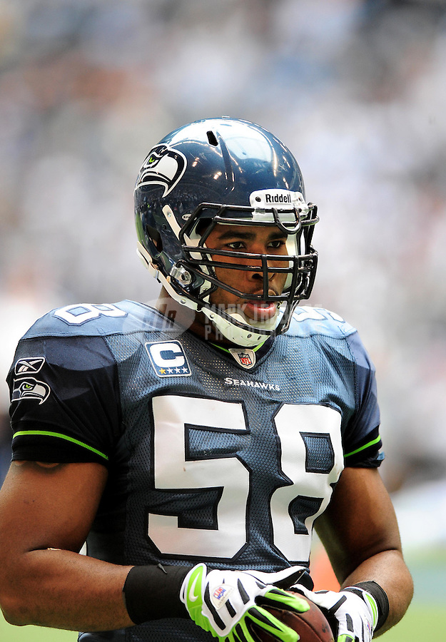 Nov. 27, 2008; Irving, TX, USA; Seattle Seahawks linebacker D.D. Lewis against the Dallas Cowboys at Texas Stadium. Dallas defeated Seattle 34-9. Mandatory Credit: Mark J. Rebilas-