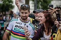 Peter Sagan (SVK/Bora Hansgrohe) selfie time. <br /> <br /> Le Grand D&eacute;part 2018<br /> 105th Tour de France 2018<br /> &copy;Kramon