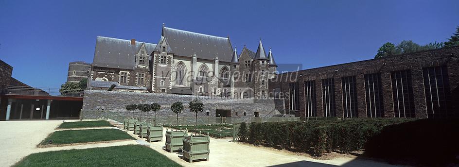 Europe/France/Pays de la Loire/49/Maine et Loire /Angers: le Château , la Chapelle et le Logis Royal