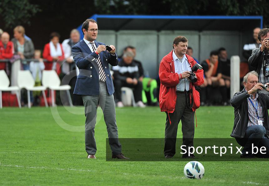 KV Kortrijk - SV Kortrijk : Vincent Van Quickenborne als fotograaf<br /> foto VDB / Bart Vandenbroucke
