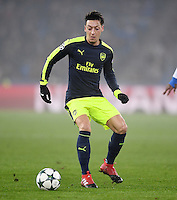 FUSSBALL CHAMPIONS LEAGUE SAISON 2016/2017 GRUPPENPHASE FC Basel - Arsenal London            06.12.2016 Mesut Oezil (Arsenal) am Ball