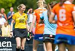 BLOEMENDAAL - Scheidsrechter Fanneke Alkemade    , 2e play out wedstrijd tussen Bloemendaal-HGC dames (2-0). COPYRIGHT KOEN SUYK