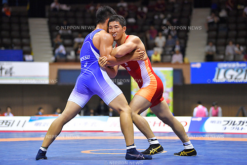 (L-R)  Ω&oslash;&part; Nobuaki Teshigawara, &pi; Yuya Maeta, <br /> JUNE 16, 2017 - Wrestling : <br /> Meiji Cup All Japan Invitational Wrestling Championships 2017 <br /> Men's Greco-Roman -80kg Final <br /> at 2nd Yoyogi Gymnasium, Tokyo, Japan. <br /> (Photo by MATSUO.K/AFLO)