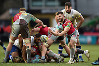 Dave Lewis of Harlequins passes the ball. Aviva Premiership match, between Harlequins and Bath Rugby on March 2, 2018 at the Twickenham Stoop in London, England. Photo by: Patrick Khachfe / Onside Images