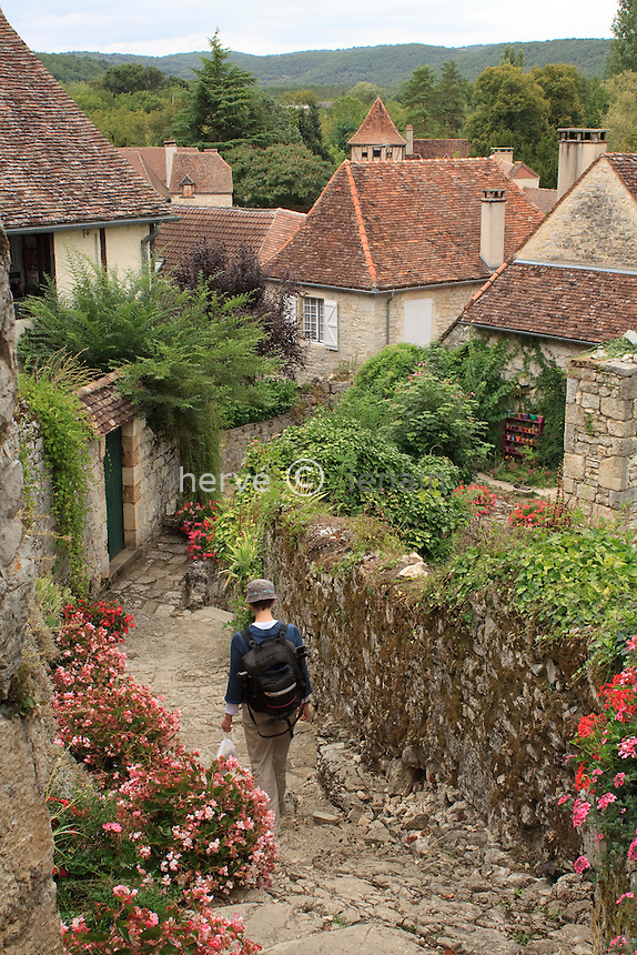 France, Lot (46), Creysse, les ruelles du village // France, Lot, Creysse, the streets of the village