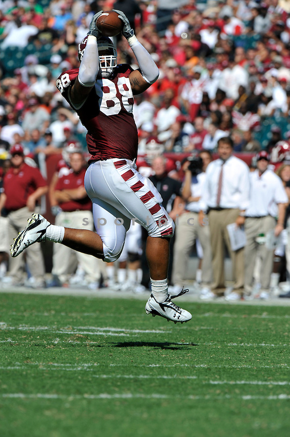 Sept 18, 2010; Temple University TE Evan Rodriguez (88) during  game against University of Connecticut.Temple won 30-16 at  Lincoln Financial Field Philadelphia, PA. Mandatory Credit: Tomasso DeRosa