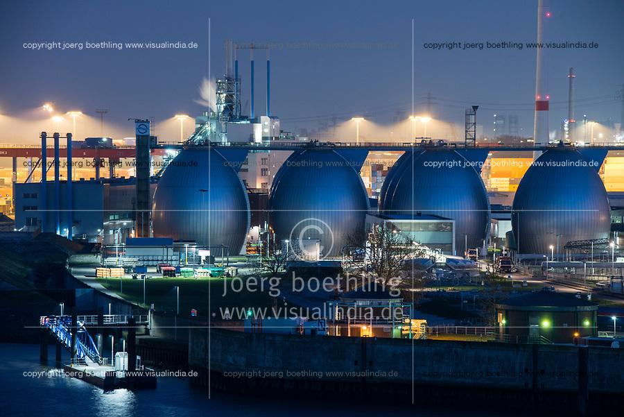 GERMANY, Hamburg, water treatment plant and biogas plant, where sewage is processed to biogas, at river Elbe / DEUTSCHLAND, Hamburg, Hamburg Wasser Klaerwerk mit Biogasanlage Koehlbrandhoeft, Faultuerme an der Elbe