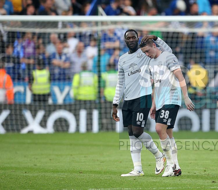 Everton's Romelu Lukaku consoles Matthew Pennington during the Barclays Premier League match at the King Power Stadium.  Photo credit should read: David Klein/Sportimage
