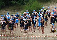 Erste Startgruppe bereitet sich auf den Start vor - Mörfelden-Walldorf 21.07.2019: 11. MoeWathlon