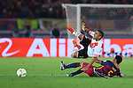 (L-R) Gabriel Mercado (River), Sergio Busquets (Barcelona), <br /> DECEMBER 20, 2015 - Football / Soccer : <br /> FIFA Club World Cup Japan 2015 <br /> Final match between River Plate 0-3 Barcelona  <br /> at Yokohama International Stadium in Kanagawa, Japan.<br /> (Photo by Yohei Osada/AFLO SPORT)