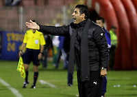 PASTO -COLOMBIA, 05-03-2016. Santiago Escobar técnico de La Equidad gesticula durante el encuentro con Deportivo Pasto por la fecha 8 de la Liga Águila I 2016 jugado en el estadio La Libertad de Pasto./ Santiago Escobar coach of La Equidad gestures during a match against Deportivo Pasto for the date 8 of Aguila League I 2016 played at La Libertad stadium in Pasto. Photo: VizzorImage / Leonardo Castro / Cont