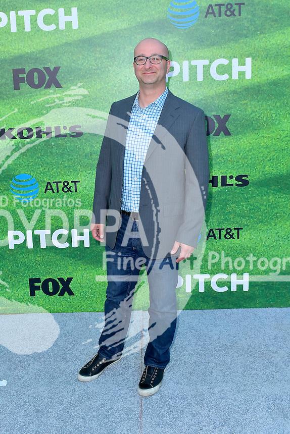 Jess Rosenthal bei der Premiere der FOX TV-Serie 'Pitch' auf dem West LA Little League Field. Los Angeles, 13.09.2016