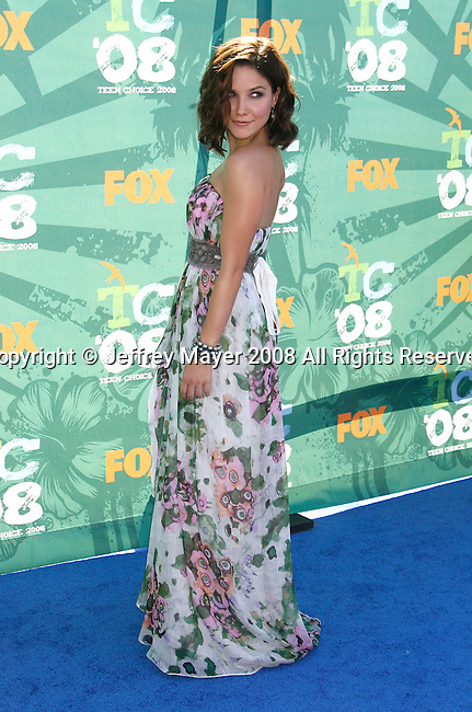 Actress Sophia Bush arrives at the 2008 Teen Choice Awards at the Gibson Amphitheater on August 3, 2008 in Universal City, California.