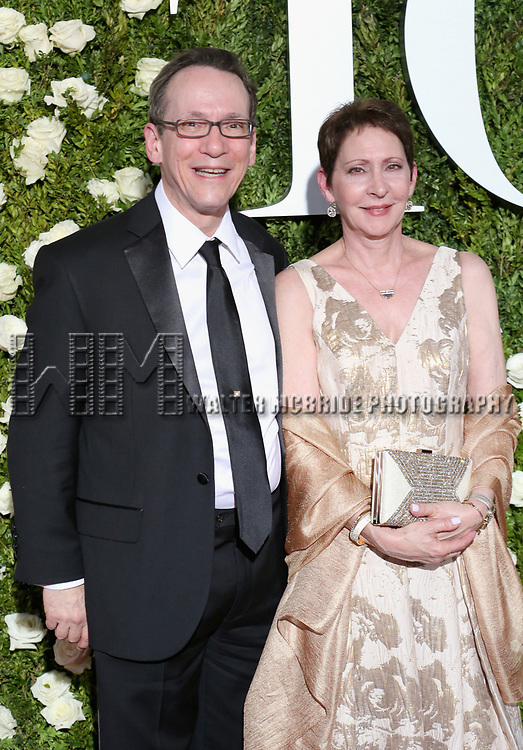 NEW YORK, NY - JUNE 11:  Orchestrator Larry Hochman and Diane Hochman attend the 71st Annual Tony Awards at Radio City Music Hall on June 11, 2017 in New York City.  (Photo by Walter McBride/WireImage)