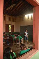 Viagem ao munic&iacute;pio de Curralinho<br /> <br /> Curralinho &eacute; um munic&iacute;pio brasileiro do estado do Par&aacute;. Localiza-se a uma latitude 01&ordm;48'49&quot; sul e a uma longitude 49&ordm;47'43&quot; oeste, estando a uma altitude de 15 metros. Sua popula&ccedil;&atilde;o estimada em 2016 era de 32.881 habitantes. Wikip&eacute;dia<br /> <br /> Reserva Extrativista Terra Grande - Pracu&uacute;ba<br /> <br /> <br /> Gent&iacute;lico: Curralinhense<br /> <br /> Localiza&ccedil;&atilde;o: messorregi&atilde;o do Maraj&oacute; e microrregi&atilde;o dos furos de Breves.<br /> <br /> Extens&atilde;o territorial: 3.604.10 Km&sup2;. No espa&ccedil;o paraense ocupa o quadrag&eacute;simo lugar em extens&atilde;o territorial.<br /> <br /> Limites:<br /> <br /> Norte: S&atilde;o S. da Boa Vista e Breves<br /> <br /> Leste: S&atilde;o S. da Boa Vista e Breves<br /> <br /> Sul: Rio Par&aacute;<br /> <br /> Oeste: Breves<br /> <br /> Solo: Hidrom&oacute;rficos indiscriminados eutr&oacute;ficos e distr&oacute;ficos textura indiscriminada.<br /> <br /> Hidrografia: &Eacute; bastante complexa representada pelo emaranhado de furos, paran&aacute;s e igarap&eacute;s.[SE/ESTATI].<br /> <br /> Link site IBGE<br /> http://ibge.gov.br/cidadesat/painel/historico.php?codmun=150280&amp;search=para%7Ccurralinho%7Cinphographics:-history&amp;lang=