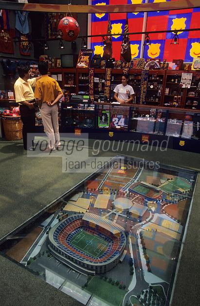 Europe/Espagne/Catalogne/Barcelone : Port Olympique - La boutique du club de foot FCBarcelone ou Barça