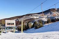 Skilift im  Kirgisischen Alatau bei Ala Archa, Kirgistan, Asien<br /> ski-liftin the Kirgisian Alatau mountains near Ala Archa, Kirgistan, Asia