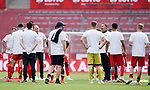 Schlussjubel, Trainer Achim Beierlorzer (Mainz) mit Team<br /><br />Sport: Fussball: 1. Bundesliga:: nphgm001:  Saison 19/20: 33. Spieltag: 1. FSV Mainz 05 vs SV Werder Bremen 20.06.2020 3:1<br />Foto: Wagner/Witters/Pool//via gumzmedia/nordphoto<br /><br /><br /> DFL REGULATIONS PROHIBIT ANY USE OF PHOTOGRAPHS AS IMAGE SEQUENCES AND OR QUASI VIDEO<br />EDITORIAL USE ONLY<br />NATIONAL AND INTERNATIONAL NEWS AGENCIES OUT