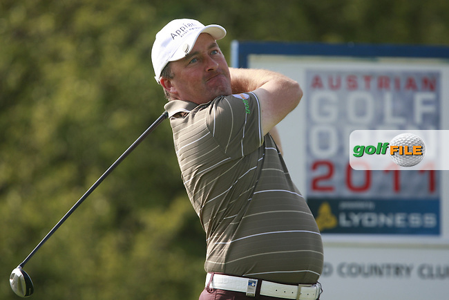 Damien McGrane (IRL) tees off on the 3rd tee during Thursday's Round 1 of the Austrian Open presented by Lyoness at the Diamond Country Club, Atzenbrugg, Austria, 22nd September 2011 (Photo Eoin Clarke/www.golffile.ie)