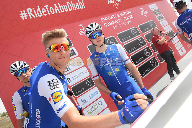 Marcel Kittel (GER) Quick-Step Floors signs on before the start of Stage 1 Emirates Motor Company Stage of the 2017 Abu Dhabi Tour, running 189km from Madinat Zayed through the desert and back to Madinat Zayed, Abu Dhabi. 23rd February 2017<br /> Picture: ANSA/Matteo Bazzi | Newsfile<br /> <br /> <br /> All photos usage must carry mandatory copyright credit (&copy; Newsfile | ANSA)