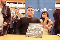 SÃO PAULO, SP - 04.07.2013: CORINTHIANS LANÇA LIVRO INÉDITO NO BRASIL - RICARDO TRIGO durante o lançamento feito pelo Corinthians do livro inédito no Brasil sobre o time de futebol americano. O projeto terá fotos de toda a história do time, além de textos de grandes nomes do esporte no Brasil e da diretoria do Corinthians, que vem apoiando firmemente essa iniciativa. O lançamento acontece nesta quinta-feira (04), às 18h30, na Livraria Cultura da Avenida Paulista. (Foto: Marcelo Brammer/Brazil Photo Press)