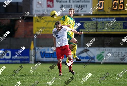 2014-03-02 / Voetbal / seizoen 2013-2014 / Witgoor Dessel - Sint-Job / Pieter Engelen (Witgoor) in de rug van Bart Hendryckx <br /><br />Foto: mpics.be